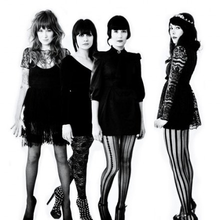 DUM DUM GIRLS 1