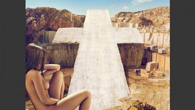Single Review: Justice – On 'N' On
