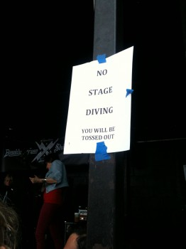 No Stagediving