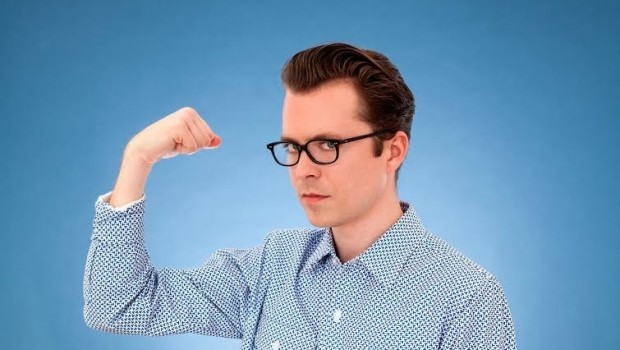 NEWS: TOM VEK – UK TOUR DATES + NEW VIDEO FOR 'SHERMAN'