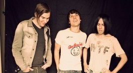 LIVE: THE CRIBS – 25/02/2015