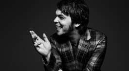 LIVE: GAZ COOMBES - 11/02/2015