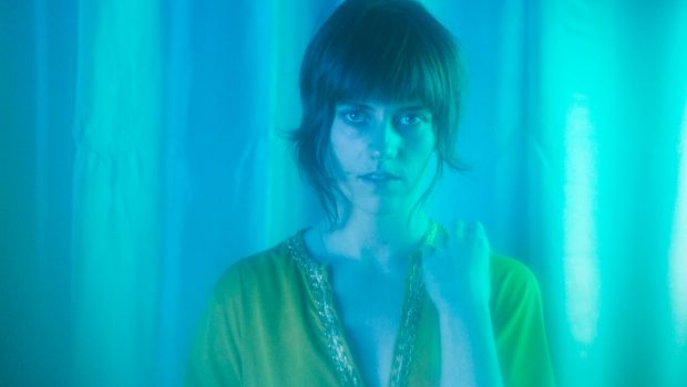 KATIE VON SCHLEICHER SHARES NEW TRACK 'LIFE'S A LIE' FROM DEBUT ALBUM 'SHITTY HITS' OUT JULY