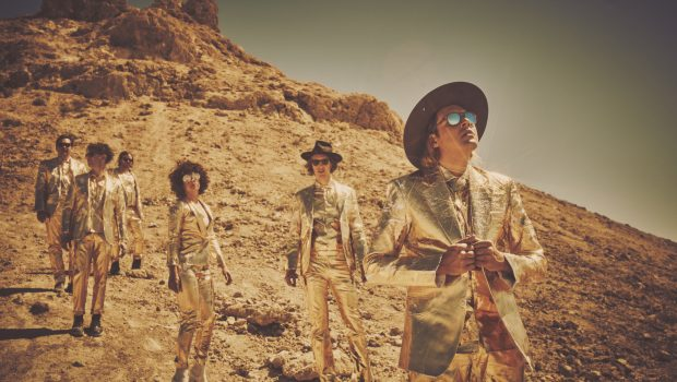 ARCADE FIRE ANNOUNCE UK & IRELAND HEADLINE TOUR FOR APRIL 2018
