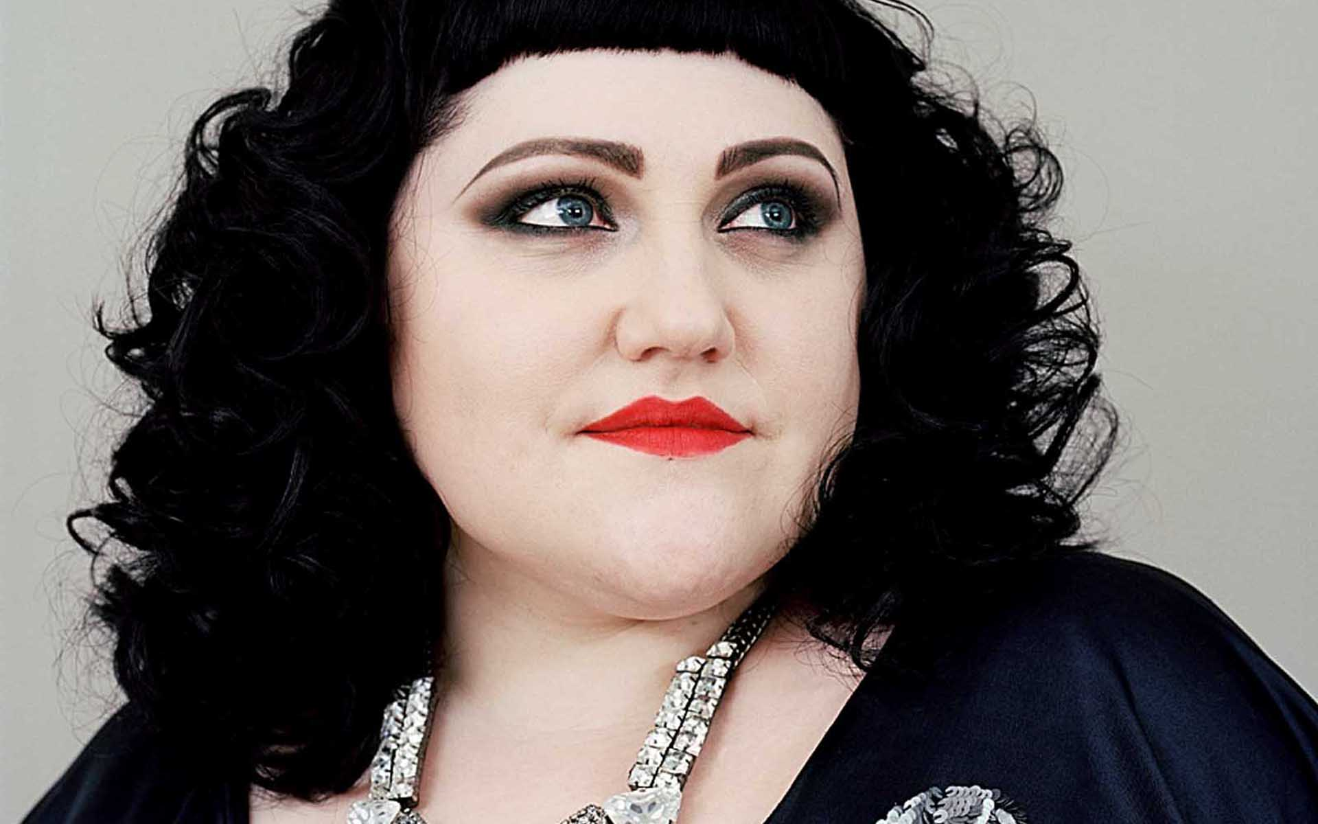Beth Ditto Nude Photos 39