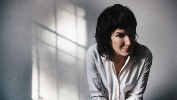 JEN CLOHER IS FOREVER A 'STRONG WOMAN' IN HER NEW VIDEO - WITH FEBRUARY 2018 UK DATES TO SHOW FOR IT