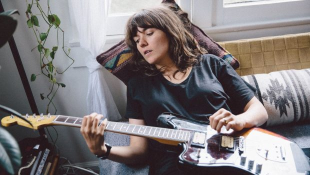 LIVE: COURTNEY BARNETT - 04/06/2018