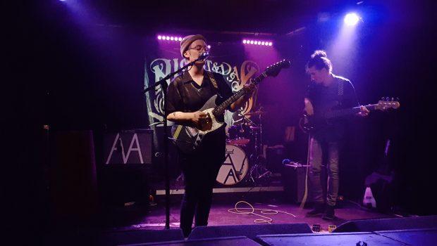 LIVE: ANNABEL ALLUM / VINYL STAIRCASE / ANNA McLUCKIE - 10/10/2018