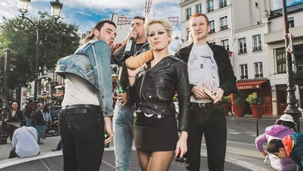AMYL AND THE SNIFFERS RELEASE NEW VIDEO FOR SOME MUTTS (CAN'T BE MUZZLED)