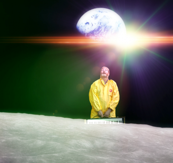 Moon Attendant