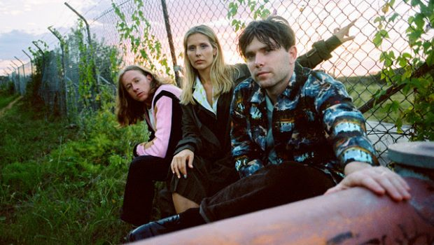 MIDDLE KIDS SINGLE 'STACKING CHAIRS' PRECEDES UPCOMING ALBUM