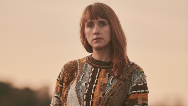 FLOCK OF DIMES AKA WYE OAK'S JENN WASNER SHARES THE OFFICIAL VIDEO FOR 'ONE MORE HOUR'