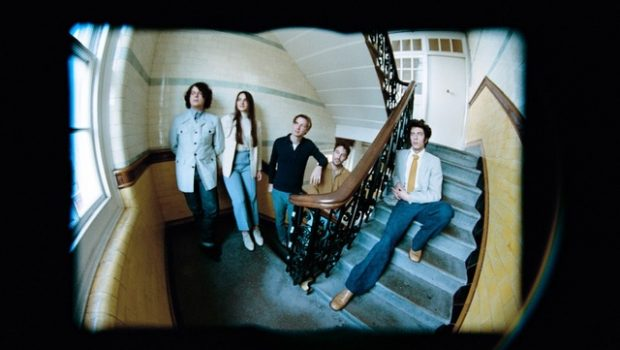 LONDON QUINTET SILVERTWIN RETURN WITH NEW TRACK 'SAVIOUR'